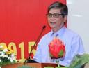 Ông Phạm Thiên Kha - Phó Bí thư thường trực Đảng ủy Khối các trường ĐH, CĐ & THCN Tp. HCM chúc mừng Kỷ niệm 40 năm trường ĐH Ngân hàng Tp. HCM