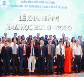 Một số đơn vị báo đài tham gia đưa tin về Lễ khai giảng năm học 2019 - 2020 của trường Đại học Ngân hàng TP. HCM