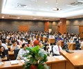 """Sinh viên chương trình đào tạo Chất lượng cao Trường Đại học Ngân hàng hào hứng tham dự hội thảo """"Lead the Change – Xây dựng kỹ năng hội nhập quốc tế"""""""