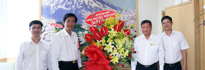 Văn phòng đại diện Agribank khu vực miền Nam  thăm và chúc mừng ngày Nhà giáo Việt Nam 20/11