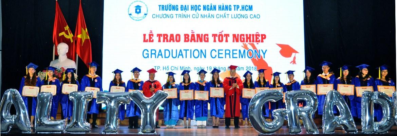 Lễ trao bằng tốt nghiệp đại học chương trình Chất lượng cao đợt tháng 8/2018
